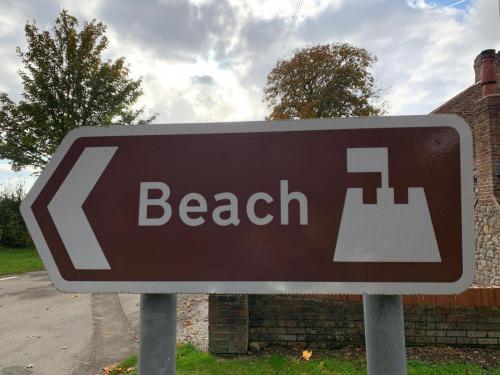 This way to Fraisthorpe Beach